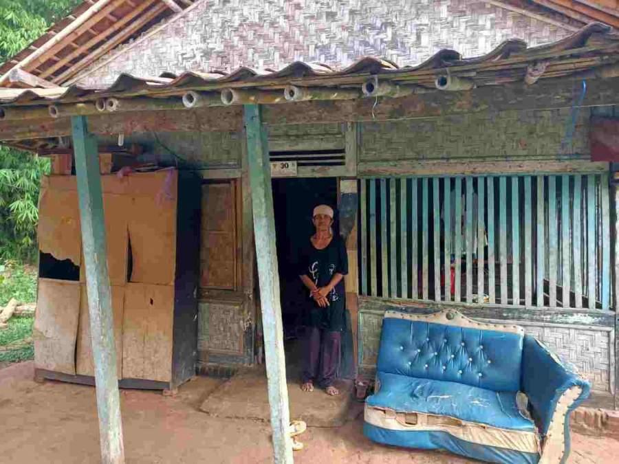 Hidup Sebatang Kara di Gubuk, Nenek Minah Butuh Perhatian Pemerintah