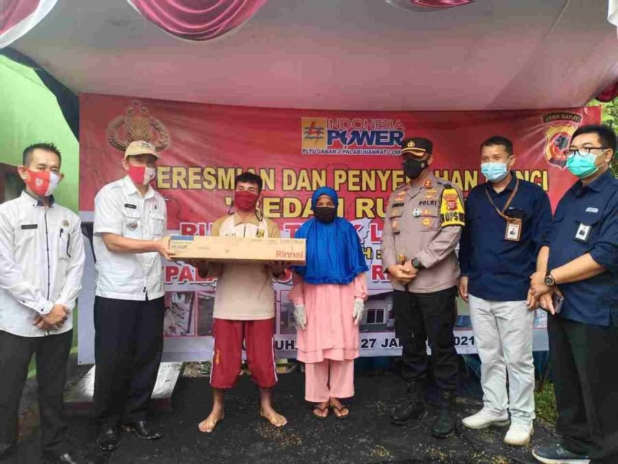 Kapolres Sukabumi Laksanakan Peresmian Dan Serah Kunci Bedah Rumah Tidak Layak Huni