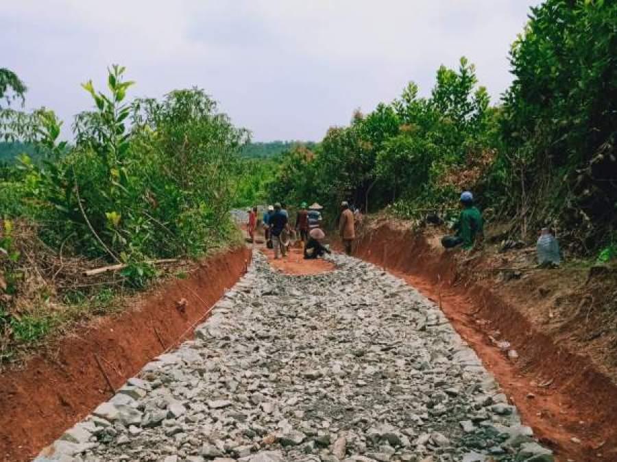 Desa Tapos Realisasikan Program Samisade ke Pembangunan Betonisasi Jalan