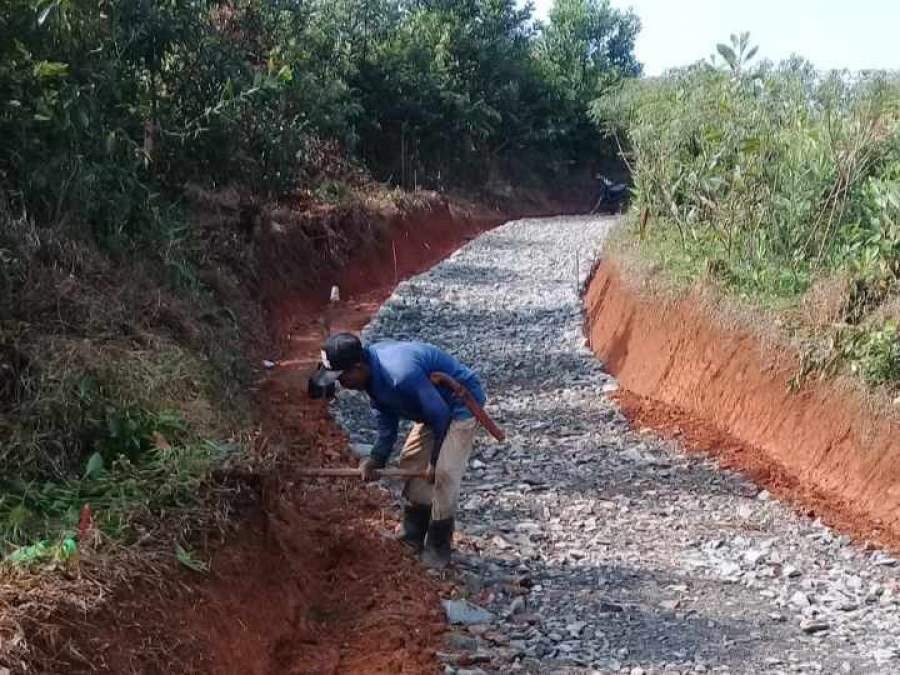 Masyarakat Desa Tapos Bangga Adanya Program Samisade