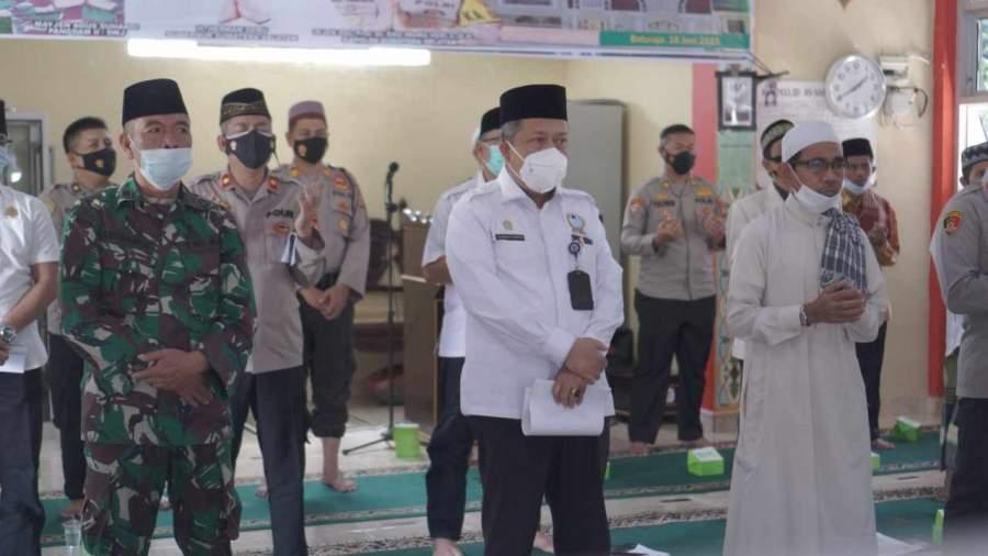 Sekda OKU Bersama Kapolda Sumsel Hadiri Acara Mujahad Kubro Doa Bersama di Masjid An Nafii