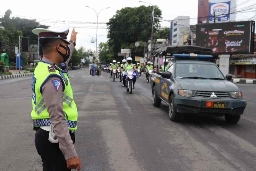 Foto : Polda Banten Bersama TNI dan Forkopimda Gelar Patroli Skala Besar