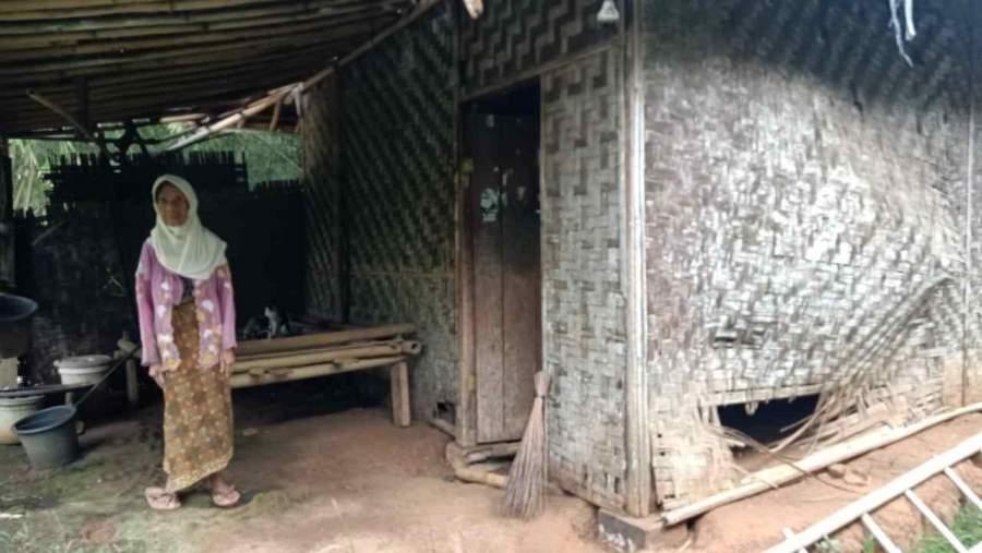 Kisah Pilu Nenek Mirah Asal Cisoka, Tinggal Sebatang Kara Di Rumah Reyot Yang Hampir Ambruk