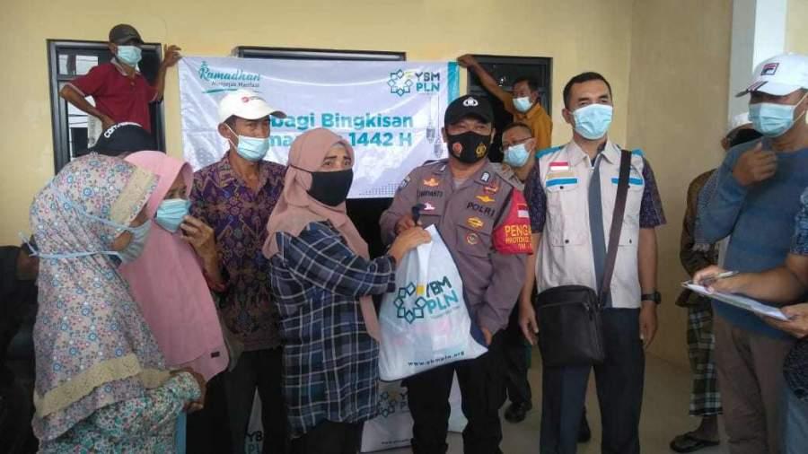 YBM PLN Salurkan Bantuan Paket Sembako Sebanyak 100 Paket